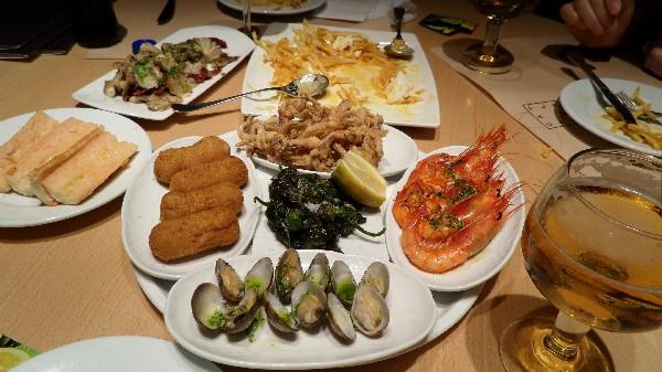 하루 다섯 끼의 스페인 식사