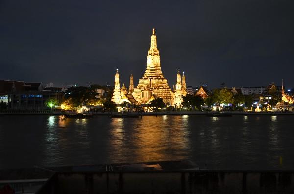 왓 아룬(새벽 사원)