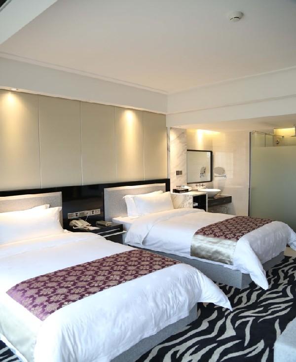 멜로우 크리스탈 호텔