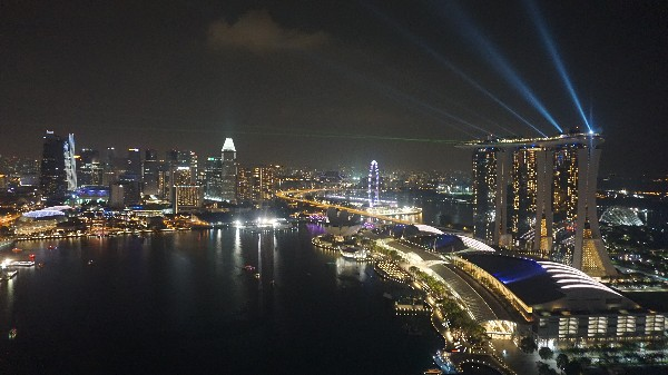 저렴하게 즐기는 싱가포르의 밤