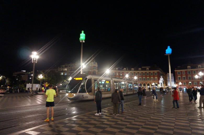 마세다 광장, 밤의 풍경