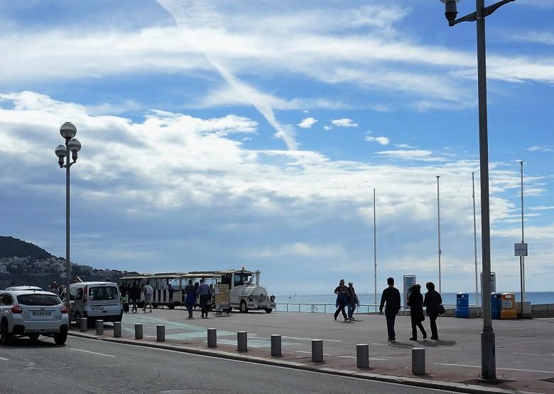 메르디앙호텔 맞은편 바닷가에서 쁘띠 트레인 기차를 발견할 수 있다.