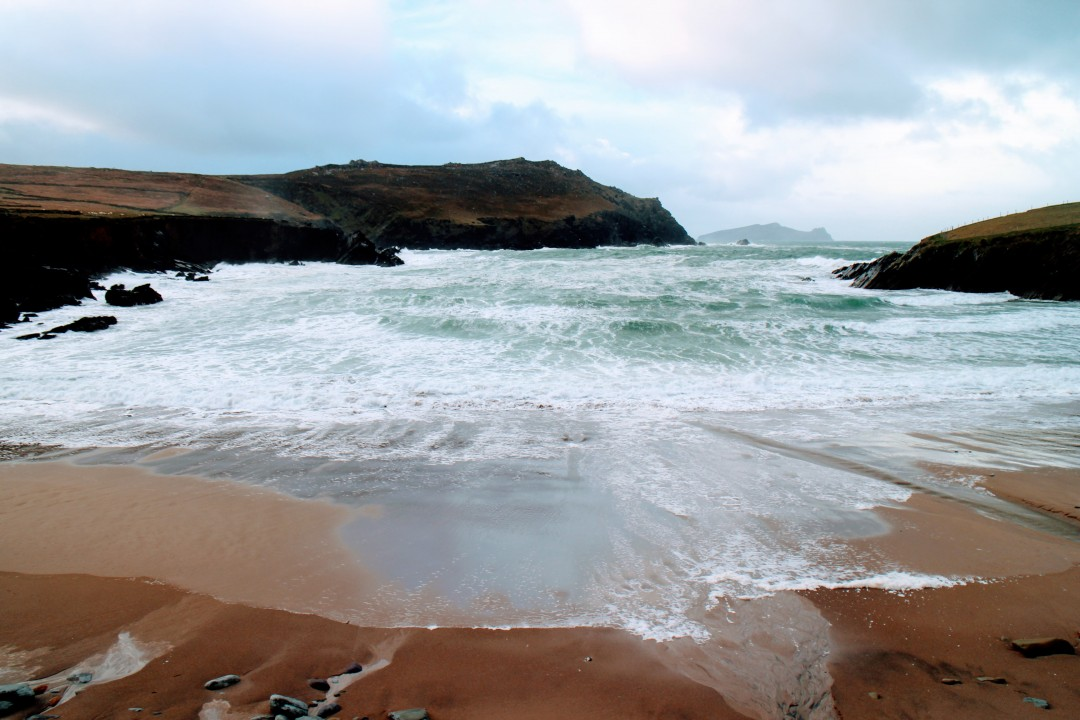 clogher_strand_beach_70410289.jpg