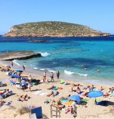 스페인 이비자섬의 해변, 깔라꼼떼로 떠나자!