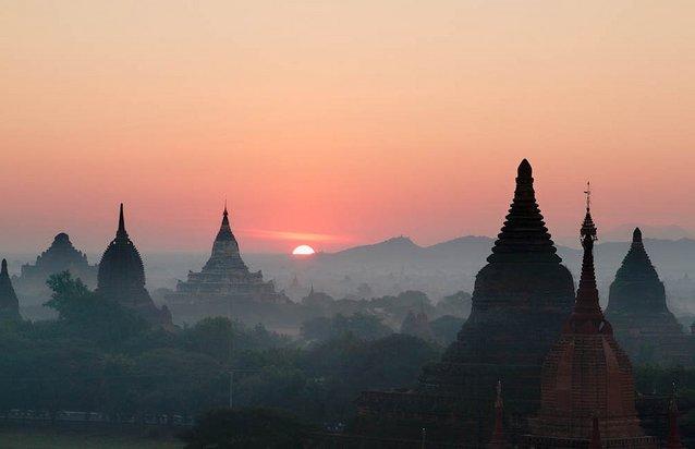 황홀한 일출, 해를 품은 바간(Bagan)!