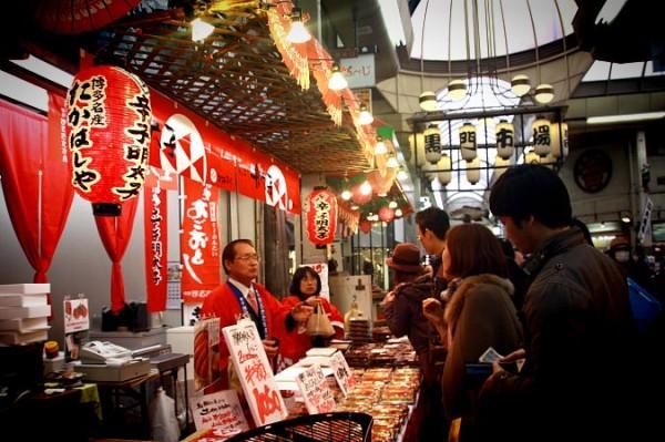 오사카 쇼핑스팟, 구로몬 시장 vs. 아메리카무라