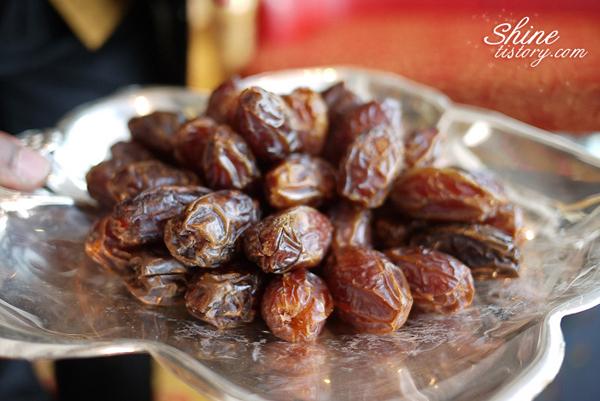 두바이에도 대추가? 달콤한 대추야자(date palm)를 맛보다!