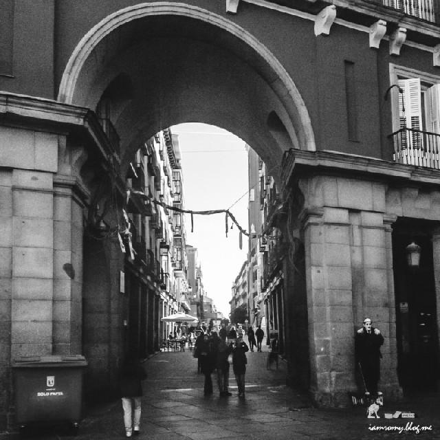 빛으로 기억되는 공간 :: 마드리드 마요르 광장 Madrid Plaza Mayor