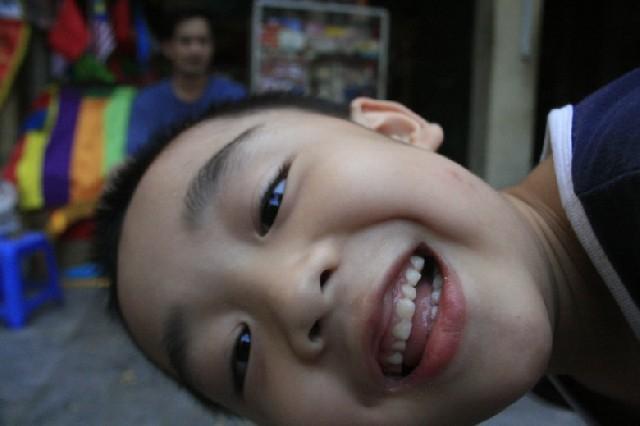 세 살짜리 아기가 처음 배우는 태국어, 짜엥!