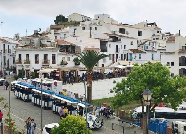 스페인의  작은 마을, 프리힐리아나에서 보낸 꿈같은 반나절