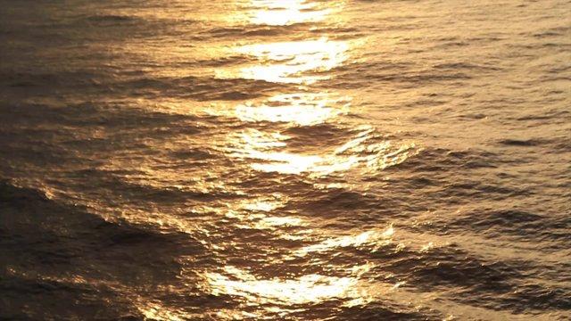 일렁이는 바다