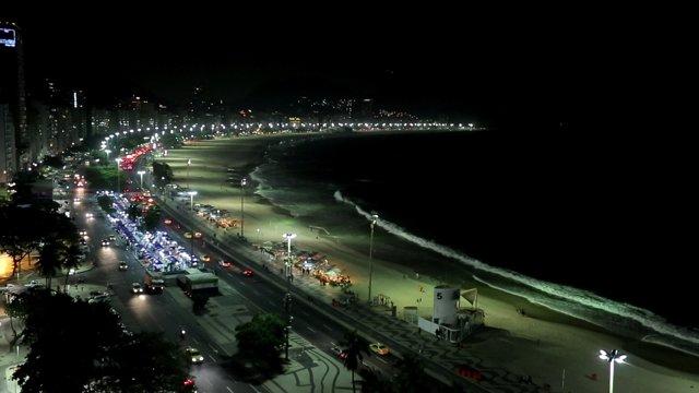 리우 해변의 밤풍경