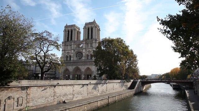 파리 강변3