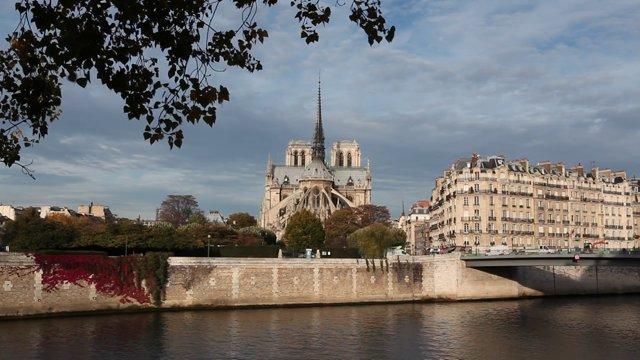 파리 강변2