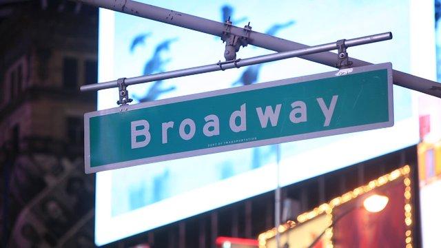 뉴욕 브로드웨이 표지판