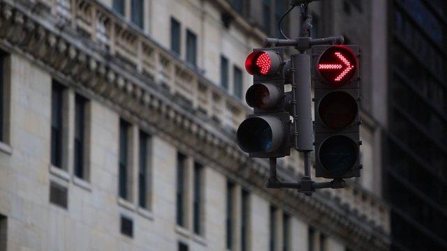 뉴욕 거리의 신호등